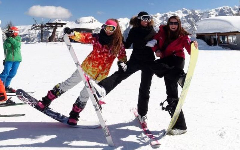 Skiing:  Saalbach – Austria
