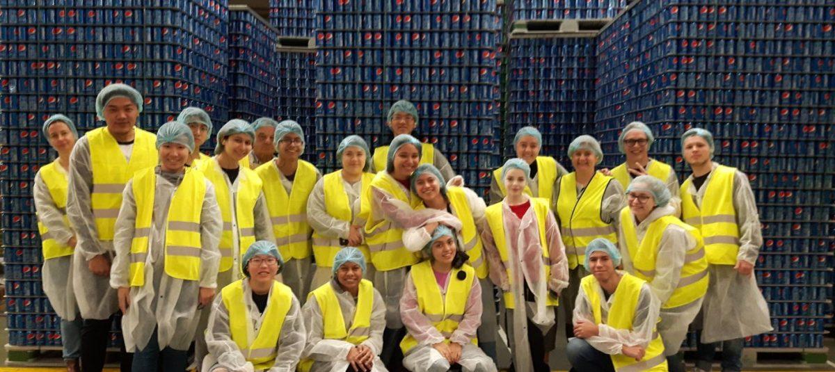 Studenci wymiany w fabryce Pepsico